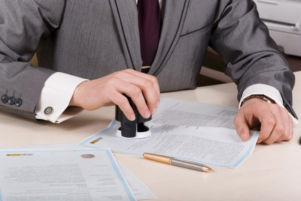 Проверка собственника квартиры. Какие документы требуются для совершения сделки